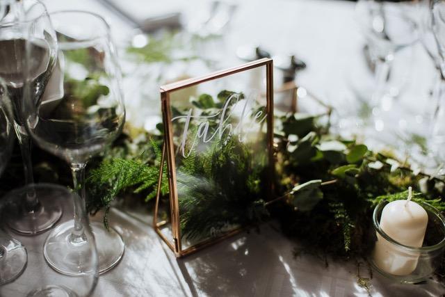 Décoration de table ornés d'eucalyptus asparagus