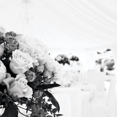 Décor floral mariage - pexels - picture by Terje Sollie
