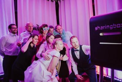 Insta-wedding